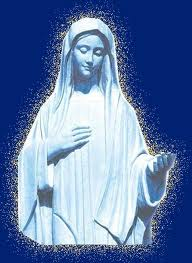 """Madre del Cielo, Regina della Pace, ravviva in noi la Fede e, per mezzo della Tua Presenza, aiutaci a proclamare il nostro """"Eccomi"""", ogni giorno. Amen!!1"""